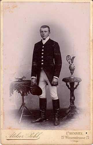 Kabinettfoto, um 1900. Fotograf: Atelier Pohl, Chemnitz.