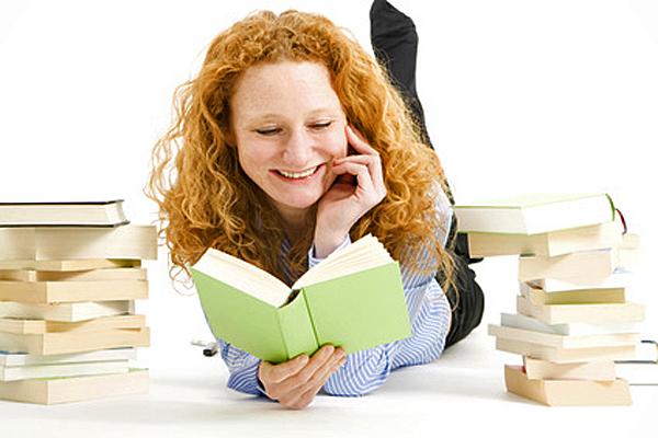 Bücher kann man nie genug haben Foto: © Janina Dierks - Fotolia.com