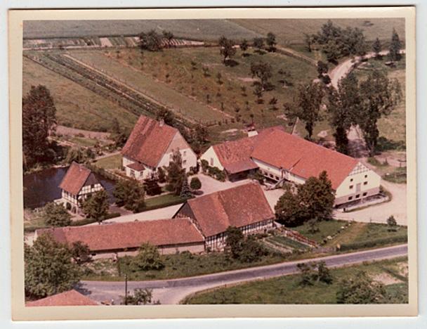 Luftbildfoto eines Bauernhofes - keine Ahnung, wo
