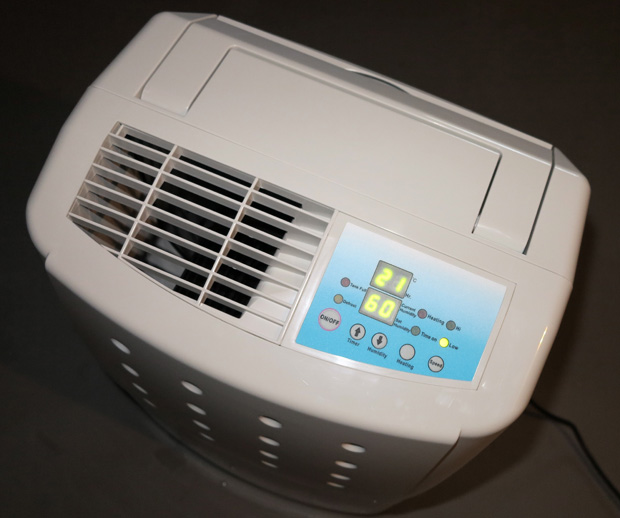 Es wirkt - nur noch 60 % Luftfeutigkeit! - Foto: © Martina Berg