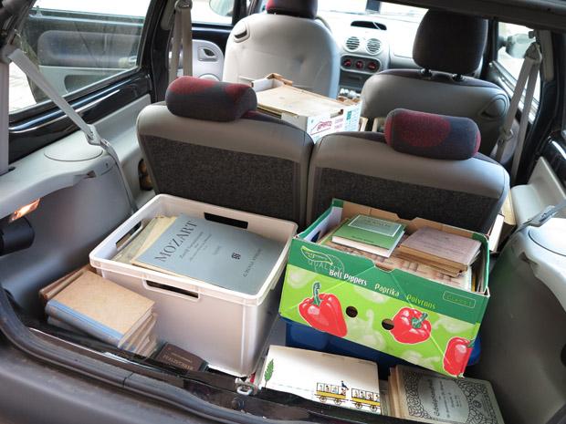 Mein Twingo - ein Bücher-Transport-Raum-Wunder - Foto: © Martina Berg